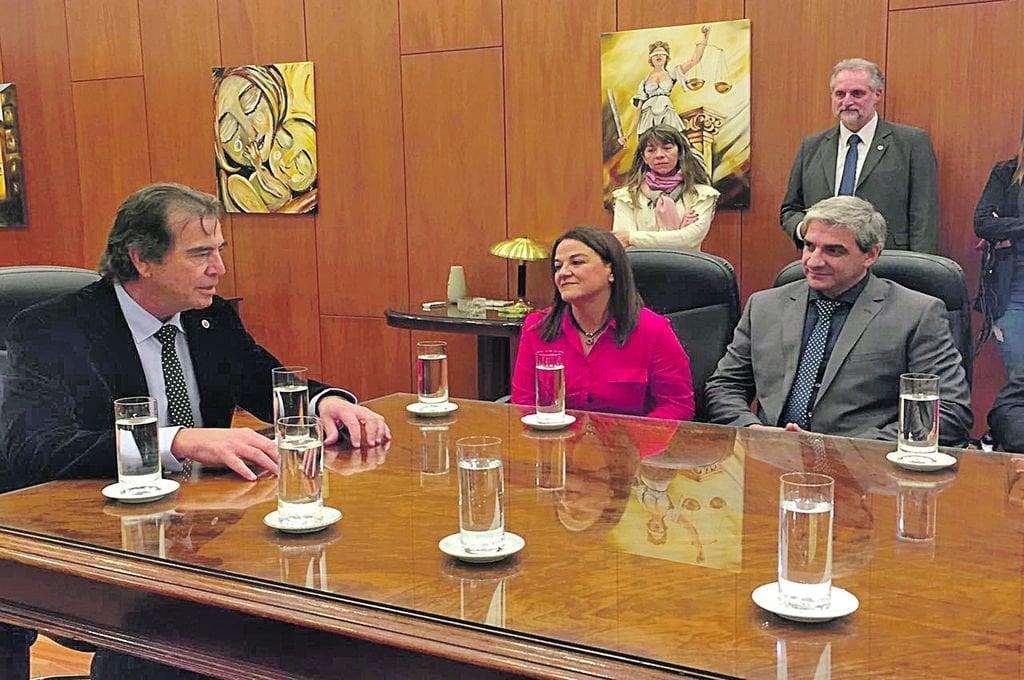 Integrantes de la Asociación de Magistrados fueron recibidos por el titular del STJ, Emilio Castrillón.